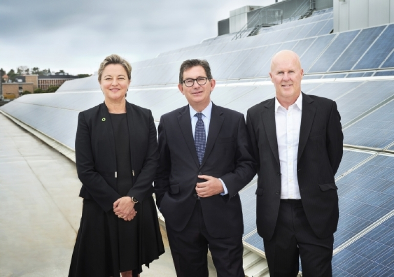 Justine (JJ) Jarvinen, CEO Energy Institute, UNSW Faculty of Engineering, Professor Ian Jacobs, President and Vice-Chancellor UNSW Sydney, Scientia Professor Matthew England, Deputy Director UNSW Climate Change Research Centre